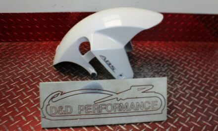 2017 – 2020 GSXR 1000 OEM FRONT FENDER EXTREMELY GOOD GX272